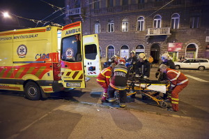 Tûz ütött ki Budapesten egy lakásban, eszméletlen állapotb