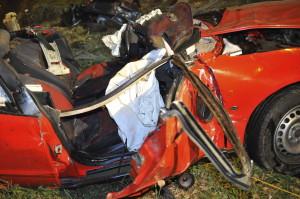 Árokba hajtott egy autó az M3-ason, a vezetõje meghalt