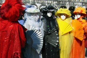 További információk: https://www.velencei-karneval.hu/